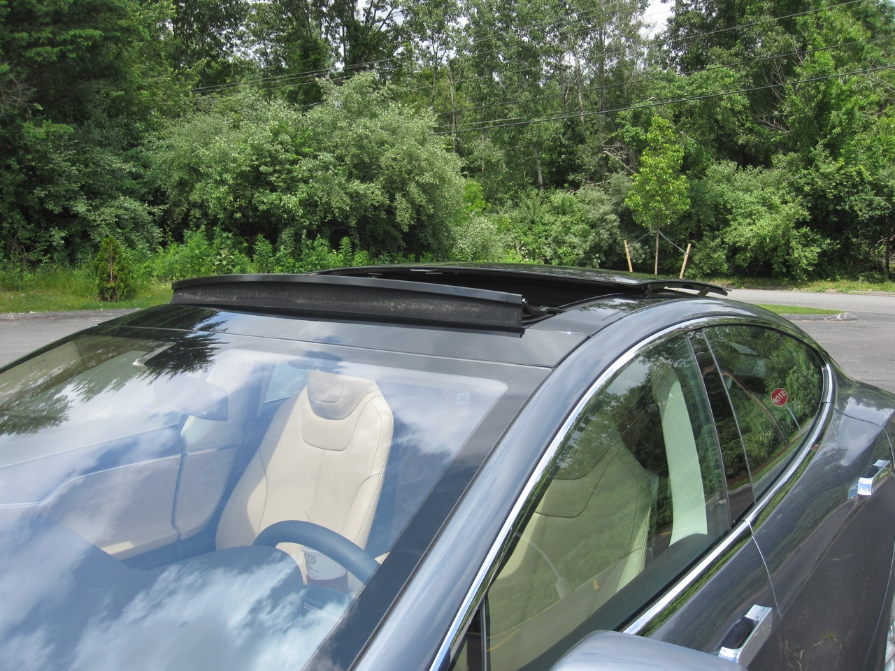 Tesla S Panoramic Sunroof Tesla Living