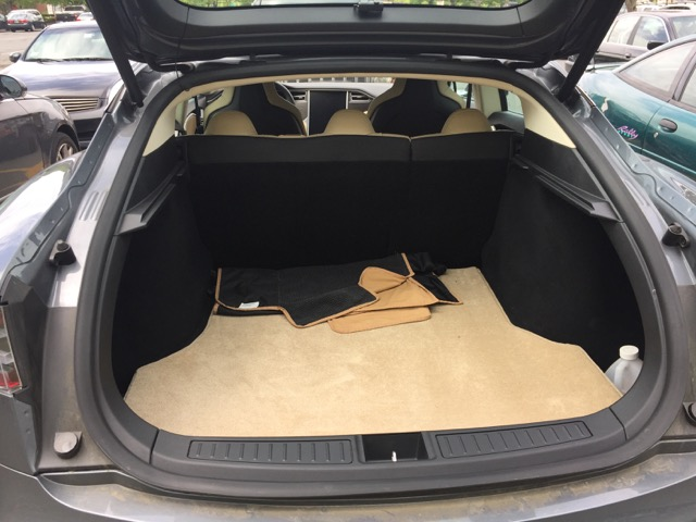 review evannex lloyd 39 s luxe mats for the model s tesla. Black Bedroom Furniture Sets. Home Design Ideas